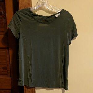 Green, twist back t-shirt